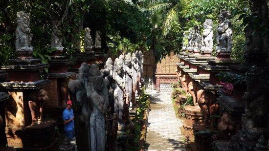 Lipa Noi, Thailand: Вход в парк .