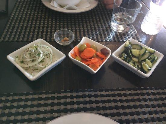 La Mesa Restaurant: photo1.jpg