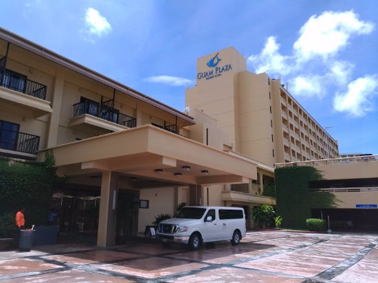 Guam Plaza Resort & Spa: Entrance