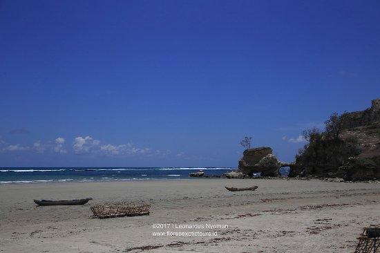 Pantai Watu Parunu, East Sumba regency - Sumba island - Indonesia