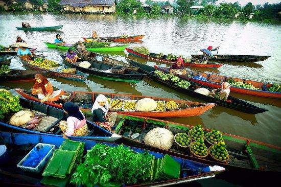 Pasar Terapung Lok Baintan Picture Of Lokbaintan Floating Market Banjarmasin Tripadvisor