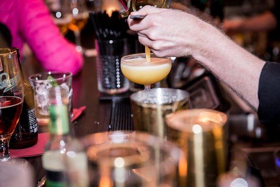 Varberg, السويد: Making cocktail