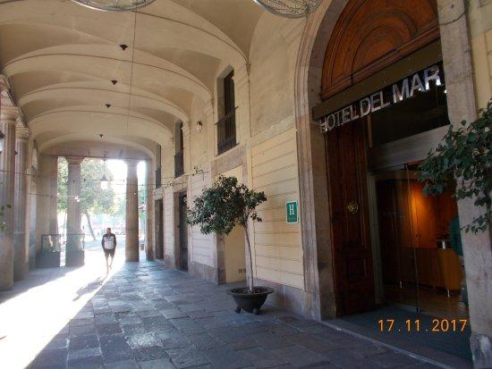 Hotel Del Mar: Eingang Hotel