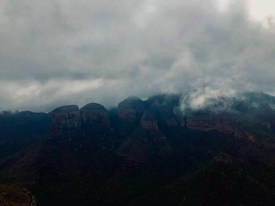 Graskop, Νότια Αφρική: Early misty morning!