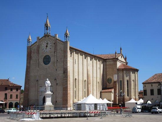 Montagnana, อิตาลี: from the side