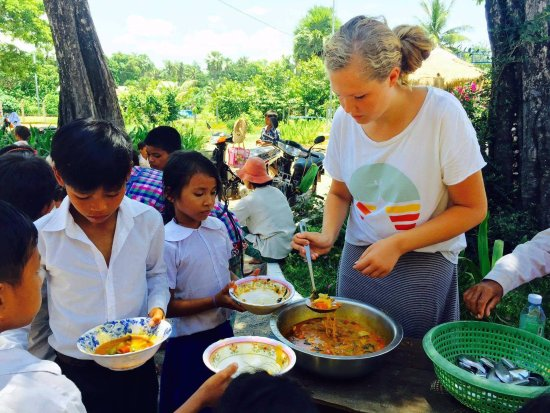 Siem Reap, Cambodia: Service Project - Providing Lunch for Students