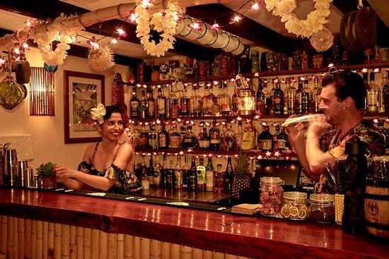 Calheta, Portekiz: Making cocktails!