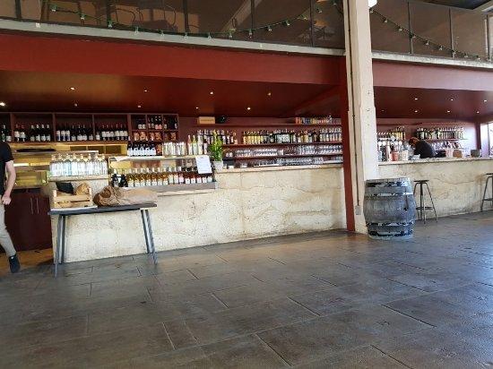 Les grandes tables de la friche marseille restaurant - Les grandes tables de la friche ...