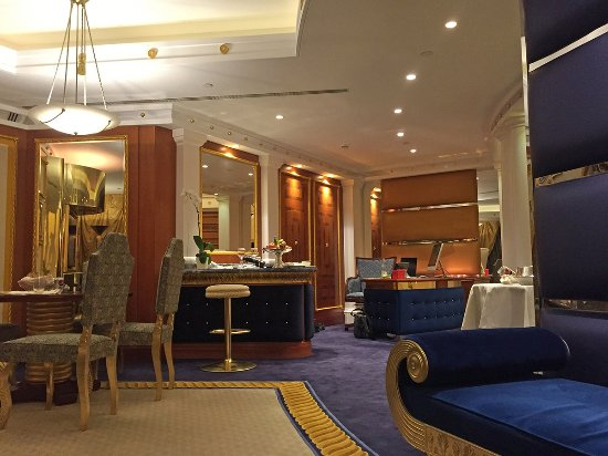 Burj al arab jumeirah updated 2017 prices hotel for Burj al arab hotel room rates