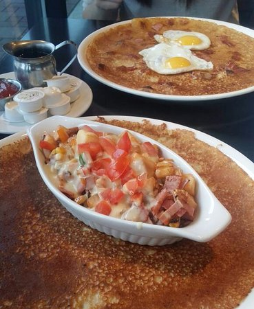 Port Coquitlam, Canadá: 我点这个很适合食量大的人,有bacon,香肠,马铃薯,蔬菜等。