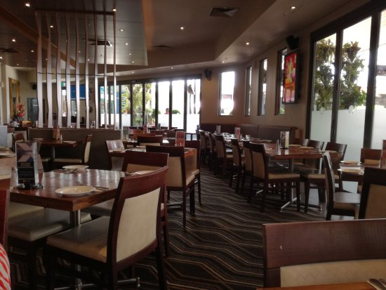 Joondalup, Australien: The Sovereign Arms Hotel dining area