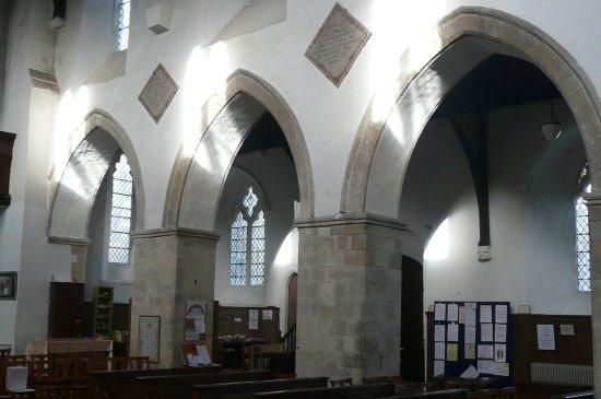 Elham, UK: dividing arches