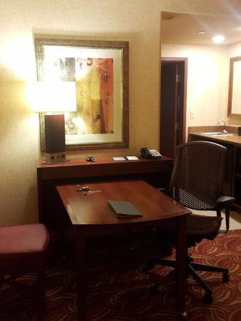 Embassy Suites by Hilton San Marcos - Hotel, Spa & Conference Center Photo