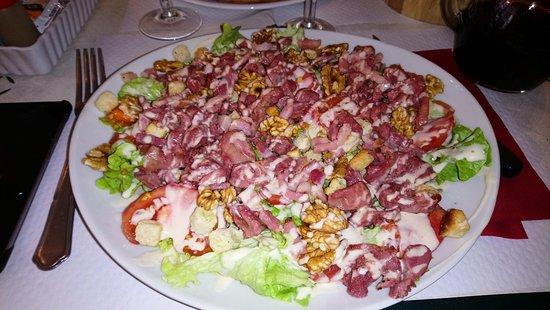 Villebois-Lavalette, Франция: La salade périgourdine