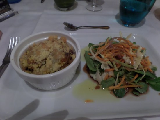 Le Pigeonnier du Perron: crumble de potiron, heureusement il y a la salade