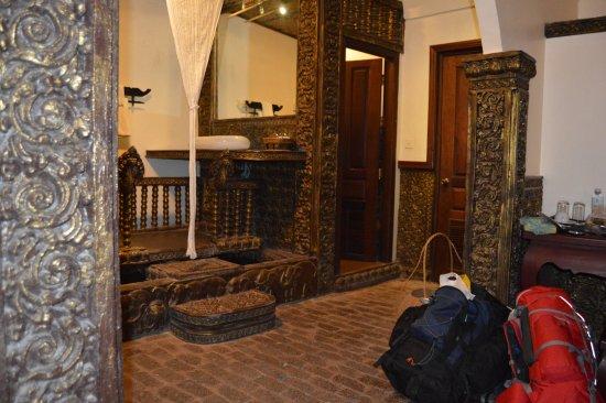 Hotel de Ville Siem Reap Boutique: Restroom