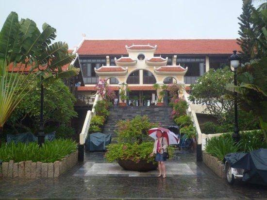 Victoria Hoi An Beach Resort & Spa: Entrée de l'hôtel