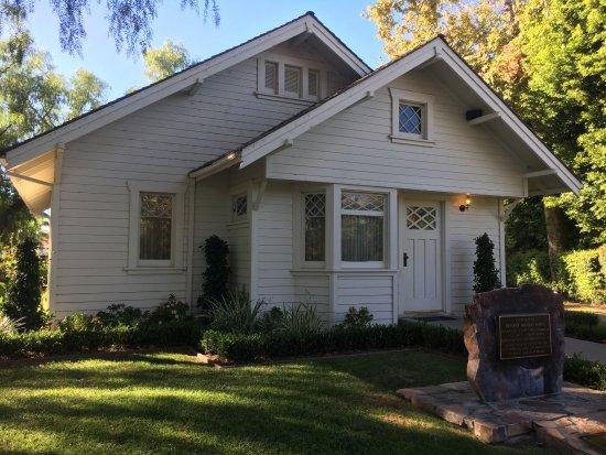 Yorba Linda, CA: Nixon's home