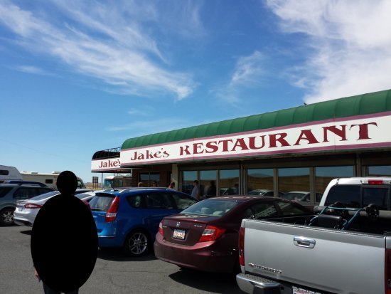 Ritzville, Ουάσιγκτον: Front of the restaurant - definitely popular
