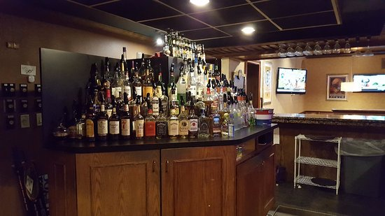 Norwich, CT: Full Bar