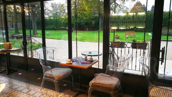 L'Orangerie du Chateau des Reynats : la verrière - Salle des petits déjeuner