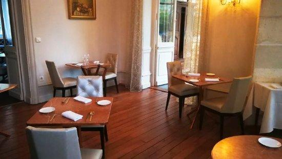 L'Orangerie du Chateau des Reynats : La petite salle petits déjeuner