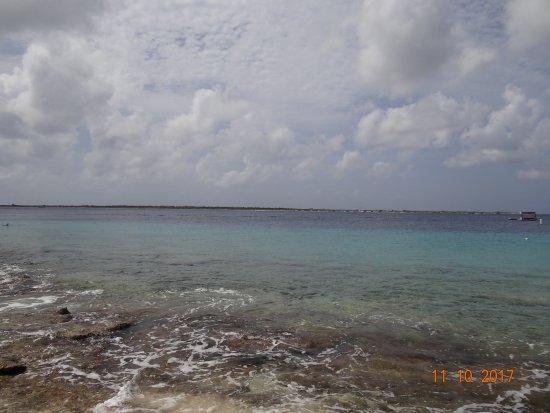 Coco Beach Bonaire: Klein Bonaire in distance