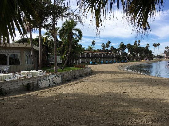 Bahia Resort Hotel: Walk or bycicle along the Hotel's private path!
