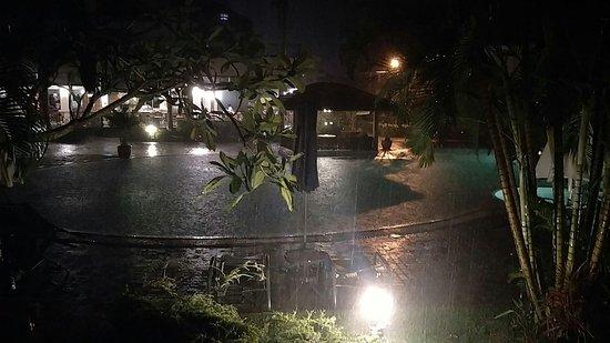 Paka, Malásia: IMG_20171113_214626579_large.jpg