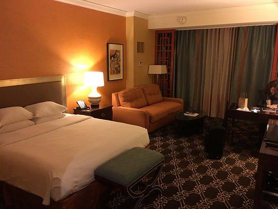 Hilton Anatole: Standard king room