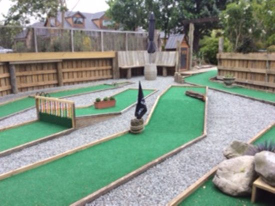 Fairlie, Nieuw-Zeeland: 3 Hole mini Golf at the lodge