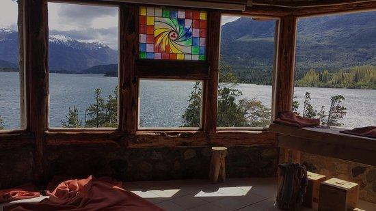 Lake Epuyen: salon de espetaculos Antu Quillen