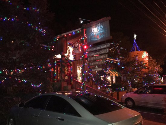 Pattis Settlement Christmas Lights 2020 Patti's Christmas light display is extensive and free to walk