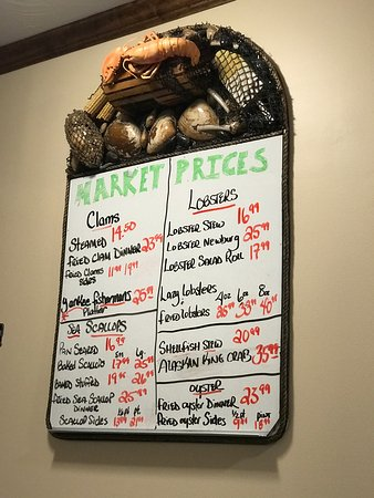 Concord, NH: Makris Lobster & Steak house