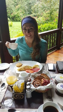 The Lodge and Spa at Pico Bonito: American Breakfast