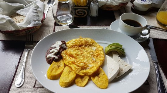The Lodge and Spa at Pico Bonito: Breakfast - Honduran Style