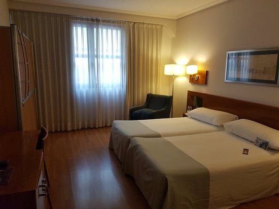 Tryp Madrid Atocha Hotel: 20170927_173617_large.jpg