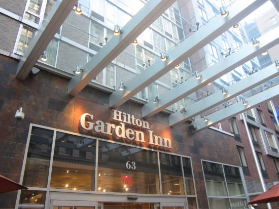 Main Entrance Picture Of Hilton Garden Inn New York West 35th Street New York City Tripadvisor