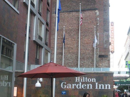 Made My Own Bed Disappointing Bild Von Hilton Garden Inn New York West 35th Street New York