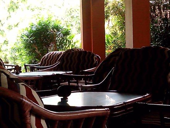 Club Palm Bay Hotel: Bar