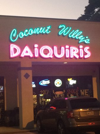 ‪Coconut Willy's Daiquiris‬
