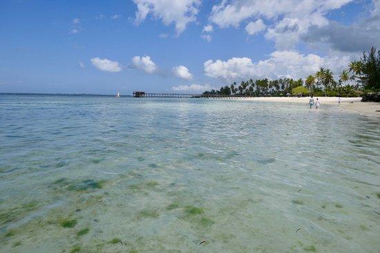 The Residence Zanzibar: Long beach line with jetty