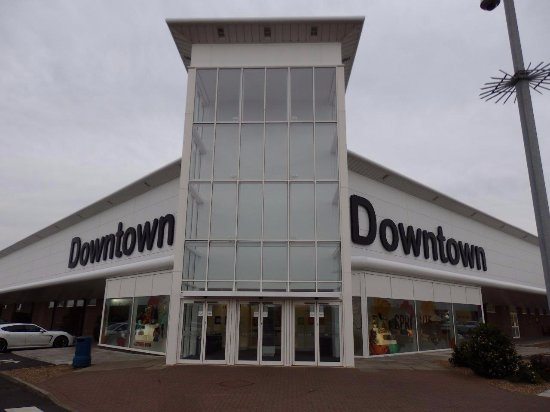 Grantham, UK: Entrance to the Downtown part of the store.