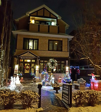 Calgary Westways Guest House: Christmas at our Calgary Bed & Breakfast