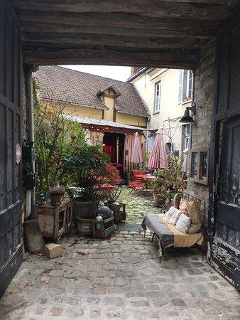 Dourdan, France: photo3.jpg