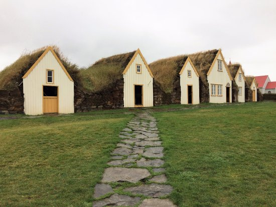 Varmahlid, Iceland: The turf house(s)