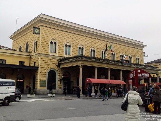 Uscita Bologna Centrale - ボロ...