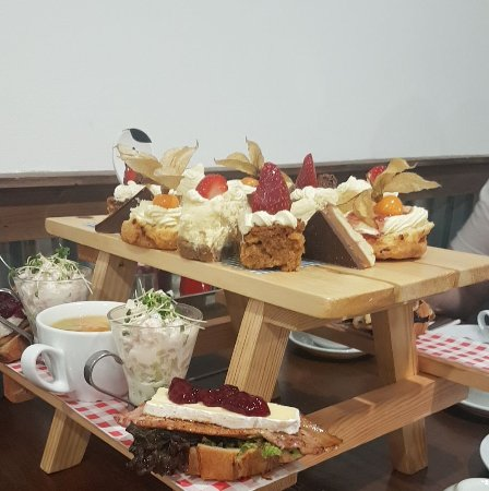Banchory, UK: Afternoon tea