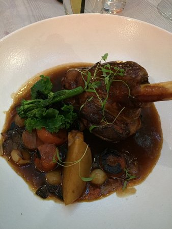 Branches Restaurant, Bar and Grill: Lamb shank