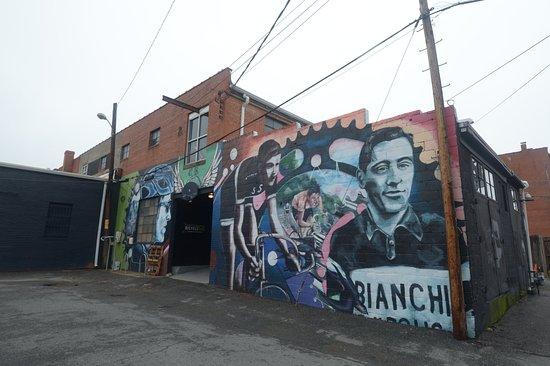 Carytown: una casa con graffito